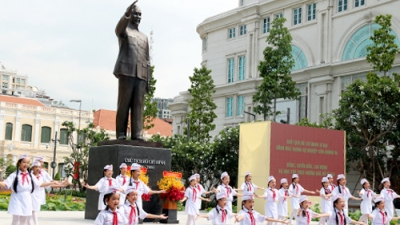 President Ho Chi Minh statue unveiled in southern metropolis