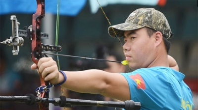 Vietnamese archers win gold in Singapore