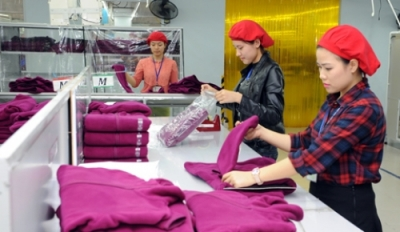 Vietnam overcomes difficulties to maintain export growth