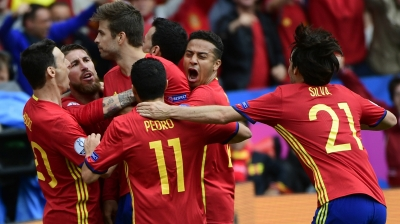 Gerard Pique secures Spain's full three points against Czech Republic