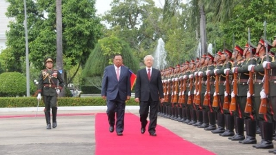 Treasuring, protecting and developing Vietnam- Laos special relations