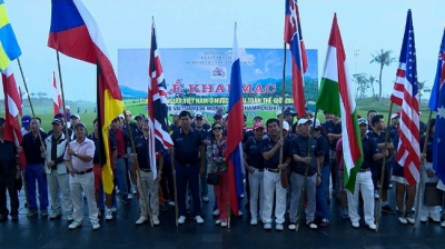 Golf tourney connects overseas Vietnamese