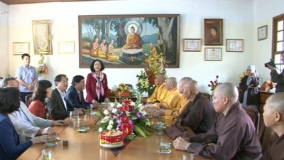 Party official visits Vietnam Buddhist Sangha in Lam Dong
