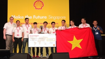 Vietnamese students win first prize at international energy-efficiency contest