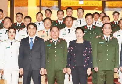 NA Chairwoman meets outstanding young police officers