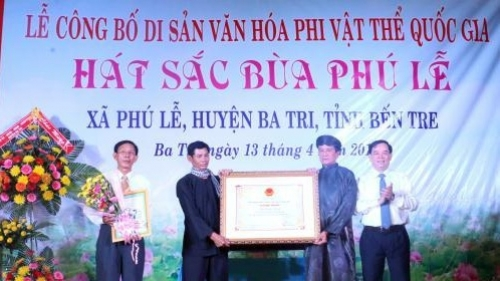 'Sac bua' singing recognised as national intangible cultural heritage