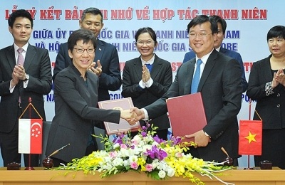 Vietnam, Singapore strengthen youth relations