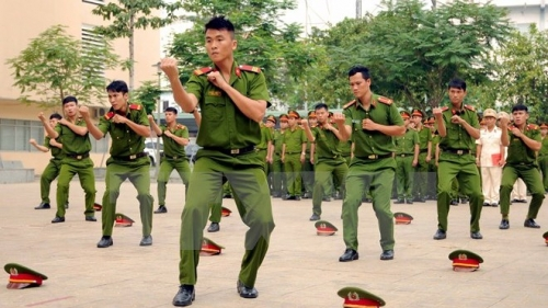 Ho Chi Minh City helps Vientiane fight crime