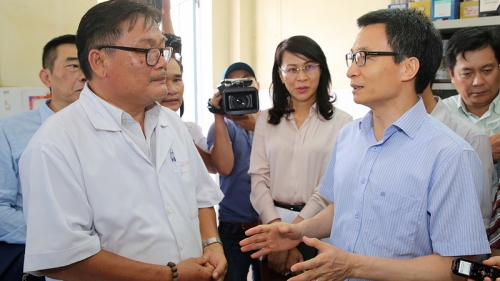 Deputy PM Dam urges reduction of hospital overcrowding in Ho Chi Minh City