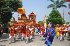 Folk festivals with tourism development