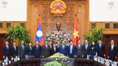 PM Nguyen Xuan Phuc pledges continuous support for Laos' nation building