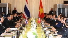 PM Nguyen Xuan Phuc holds talks with Thai counterpart
