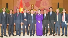NA Chairwoman Nguyen Thi Kim Ngan receives Lao officials