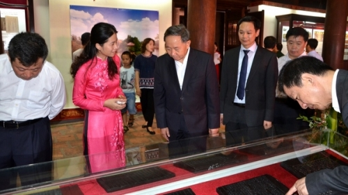 Exhibition highlights world documentary heritages in Vietnam
