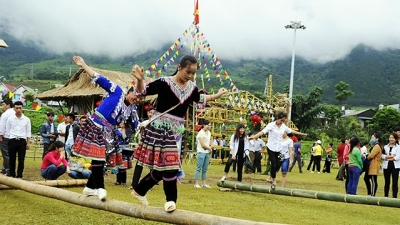 Tam Duong locals celebrate National Day