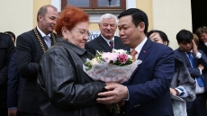 Deputy PM Vuong Dinh Hue's activities in Slovakia