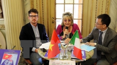 Italian scholar publishes book on Vietnam's island sovereignty