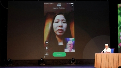 First online video call medical counseling service launched in Vietnam