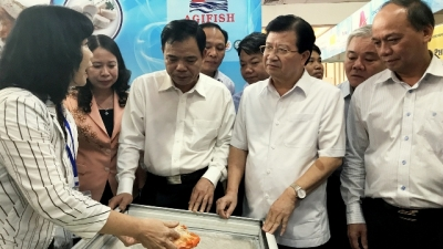 Deputy PM urges facilitating consumption of domestically-made tra fish products