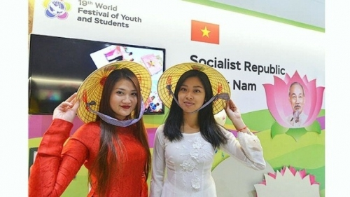 Young delegates sparkle at World Festival of Youth and Students
