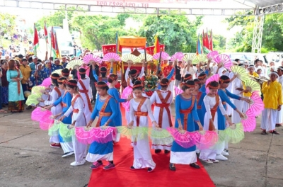 Cham people in Binh Thuan celebrates Kate festival