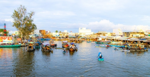 Floating markets in the south-western region