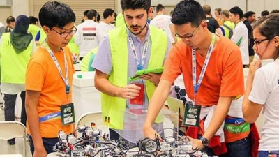 Vietnamese students reap high results at int'l robot competition