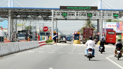 Can Tho - Phung Hiep BOT toll station reduces fees