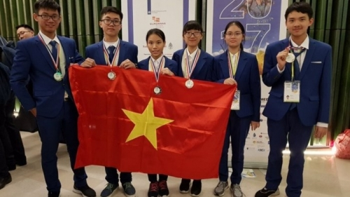 Hanoi students win medals at International Junior Science Olympiad