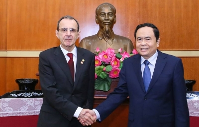Vietnam, Russia exchange experience in social management