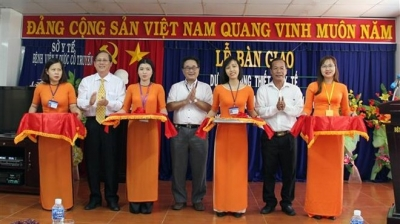 Japan gives medical equipment as aid to Ninh Thuan province