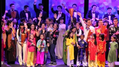 Overseas Vietnamese in France keep Tet traditions alive