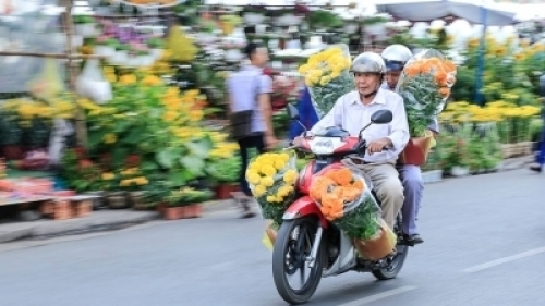 Southern locals welcome a peaceful and traditional Tet