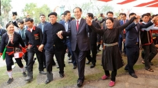 President joins ethnic groups at Hanoi spring festival