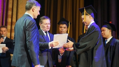 Vietnamese students graduate from Russia's nuclear power university