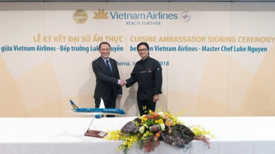Vietnamese-Australia chef named Vietnam Airlines' food ambassador