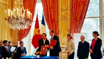 Vietnam, France boost cooperation in space technology and intellectual property