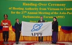 Vietnamese NA hands over APPF chairmanship to Cambodia