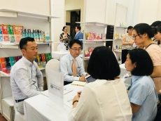 Vietnamese and Japan publishers exchange experiences at Hanoi book festival