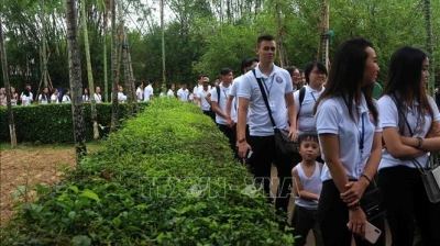 Summer Camp: Young expats visit late President Ho Chi Minh's homeland