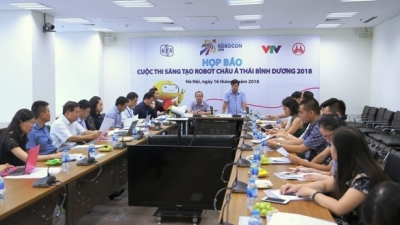 Vietnam sends two teams to regional robot contest