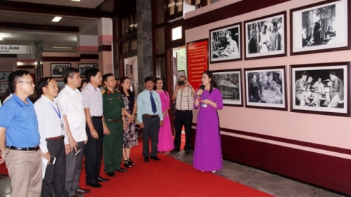 Photo exhibition shows General Vo Nguyen Giap and Thai Nguyen resistance base