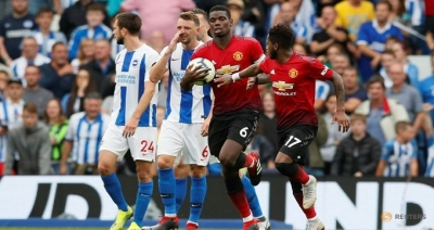 Manchester gap widens as City score six and United lose