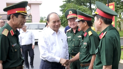 PM Nguyen Xuan Phuc visits 16th Corps in Binh Phuoc province