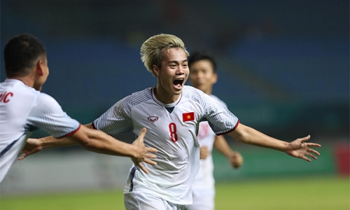 Van Toan's extra-time strike seals Vietnam a semifinal place