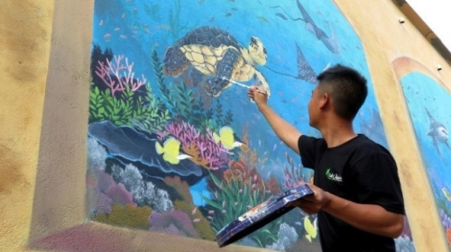 Quang Ngai: Ly Son Island attractive with mural paintings