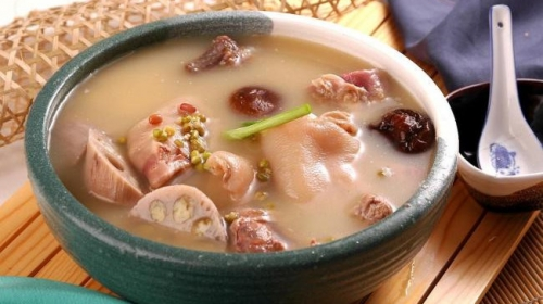 Lotus root soup – A tasty and healthy appetizer