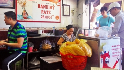 Pho Hue street bread – An unforgettable taste of Hanoi