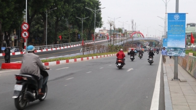 Overpass at An Duong - Thanh Nien intersection opens to traffic