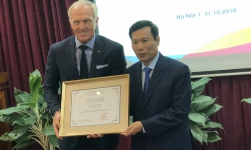 World legendary golfer appointed as Vietnam's tourism ambassador